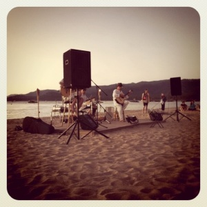 Martin & Vargas perform on Music on the Beach