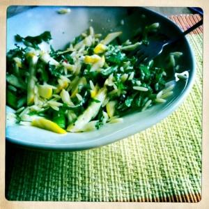 Orzo with kale, zucchini & peas