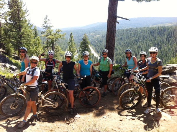 Group shot on Sawtooth Ridge trail
